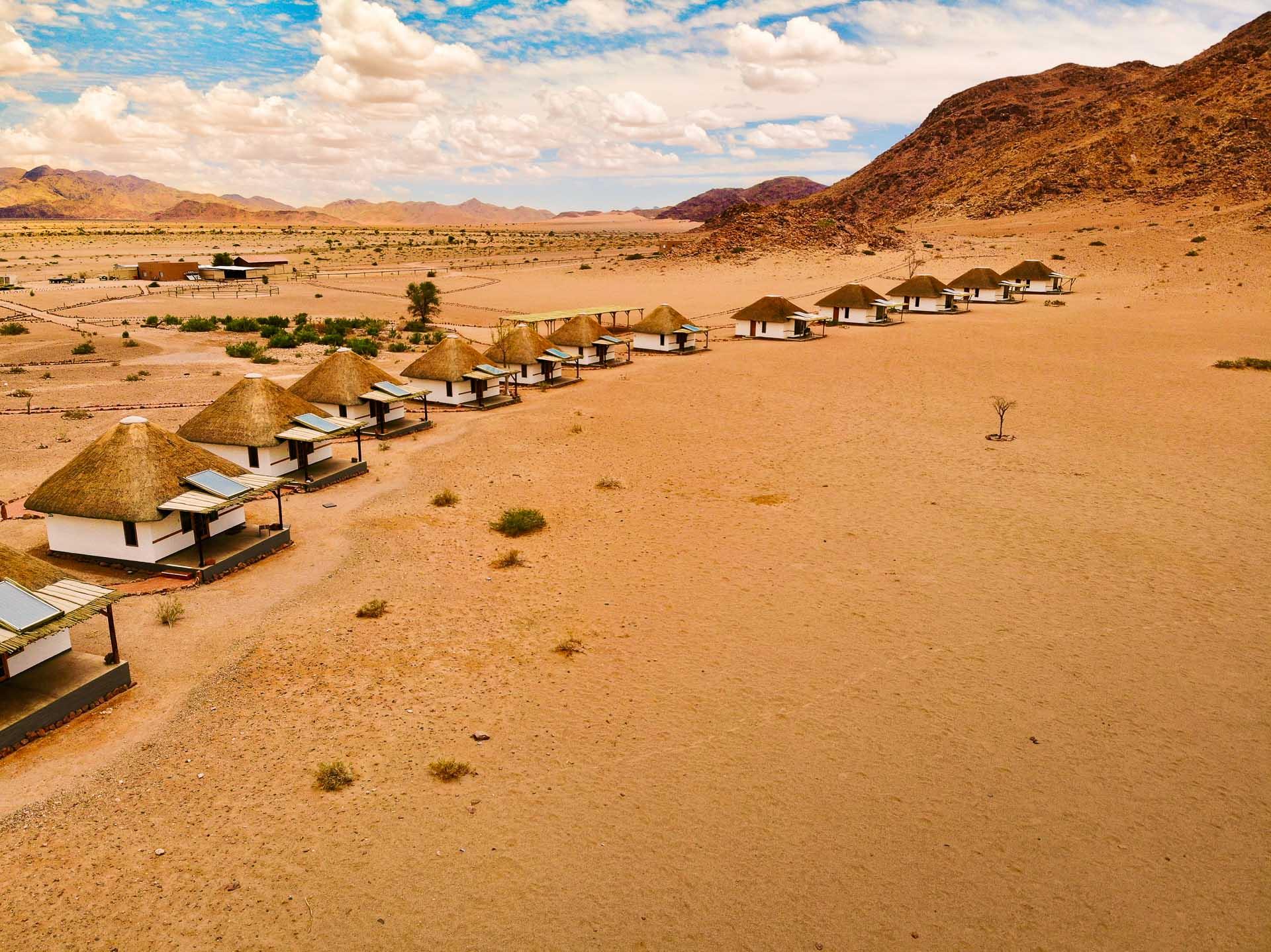 Luftbild der Desert Homestead Lodge in Namibia